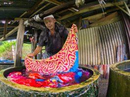 Produk Batik Gambo Mendunia, Puluhan Petani Gambir di Muba Menjerit