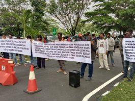 Massa 100% Pro Rakyat Demo Minta Usut Dugaan Penyalahgunaan Dana Replanting Sawit 2017 Muba