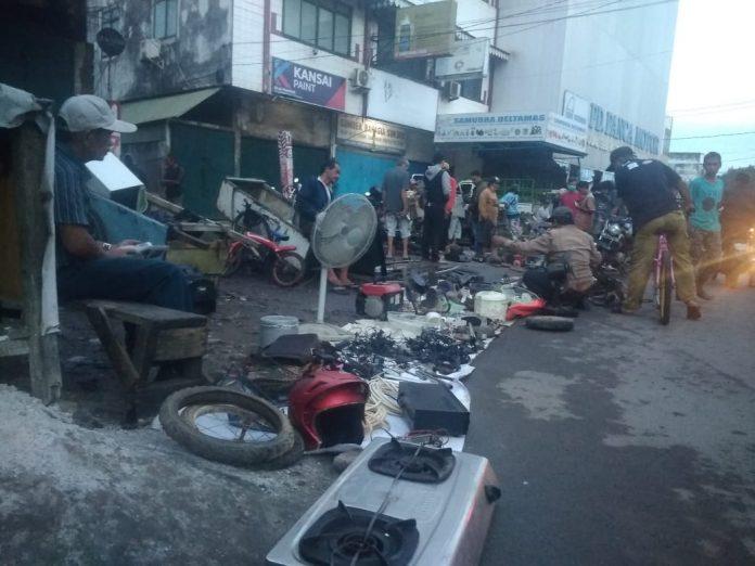 Geliat Aktivitas Perdagangan Barang Bekas di Kawasan Pasar Cinde Palembang