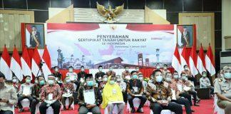 Deru Terima dari Jokowi, 50 Sertifikat Tanah Buat Rakyat Sumsel