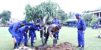 Peduli Kelestarian Lingkungan Hidup, Kapolda Ajak Personel dan Masyarakat Gemar Menanam Pohon