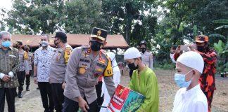 Usai Door to Door Datangi Rumah Warga, Kapolda Sumsel Juga Ziarah ke Makam Para Sultan Darussalam Kawah Tekurep