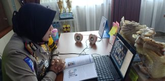 Polres OKUT Beri Edukasi Keselamatan Berlalulintas Secara Daring Kepada Siswa SMPN 1 Martapura OKUT