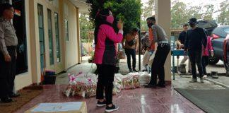 Bhayangkari Polres Muratara Salurkan Bansos Rutin di 2 Wilayah Kecamatan