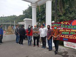 Wartawan Terkurung di Luar Pagar Pintu Masuk di Griya Agung Istana Gubernur, Pelantikan Bupati dan Wakil Bupati Terpilih Dipertanyakan