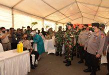 Panglima TNI-Kapolri Tinjau Vaksinasi 1000 Prajurit TNI-Polri di Polda Kepri