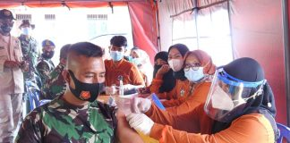 80 Personil Satgas TMMD 110 Kodim 0429/Lamtim Lakukan Vaksinasi Covid-19