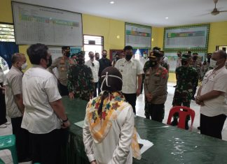 Tinjau Posko PPKM Mikro Kesawan, Kapoldasu Apresiasi Pelayanan kepada 2 Warga Positif Covid