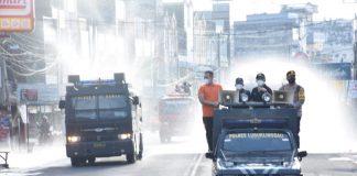 Jaga Kenyamanan Salat Ied, Wali Kota Lubuklinggau Terjunkan 2 Mobil Water Canon dan Armada Damkar Semprotkan Cairan Disenfektan di Sepanjang Jalan Utama Kota