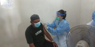 Kepala Desa Embacang Kelekar Bersama Forkopimcam Pantau Vaksinasi untuk Lansia