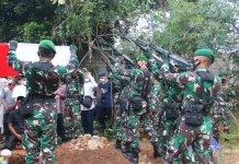 Dandim 0429/Lamtim Pimpin Prosesi Pemakaman Almarhum Kapten Inf. Imam Prayudi