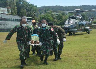Koopsgab TNI Berhasil Evakuasi 9 Nakes dan 1 Anggota TNI Korban Kekejaman KST di Distrik Kiwirok